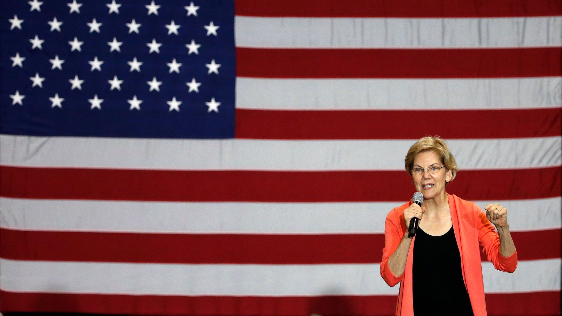 """The best leader for these times"": Elizabeth Warren endorsed by the Des Moines Register"