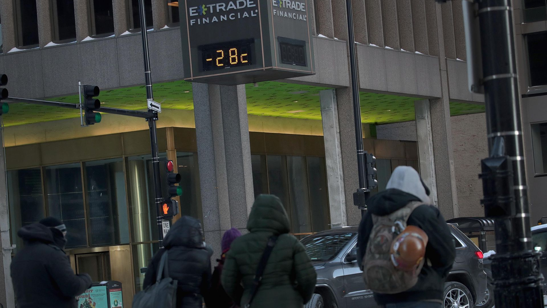 Etrade sign that shows the temperature as minus 21 degrees