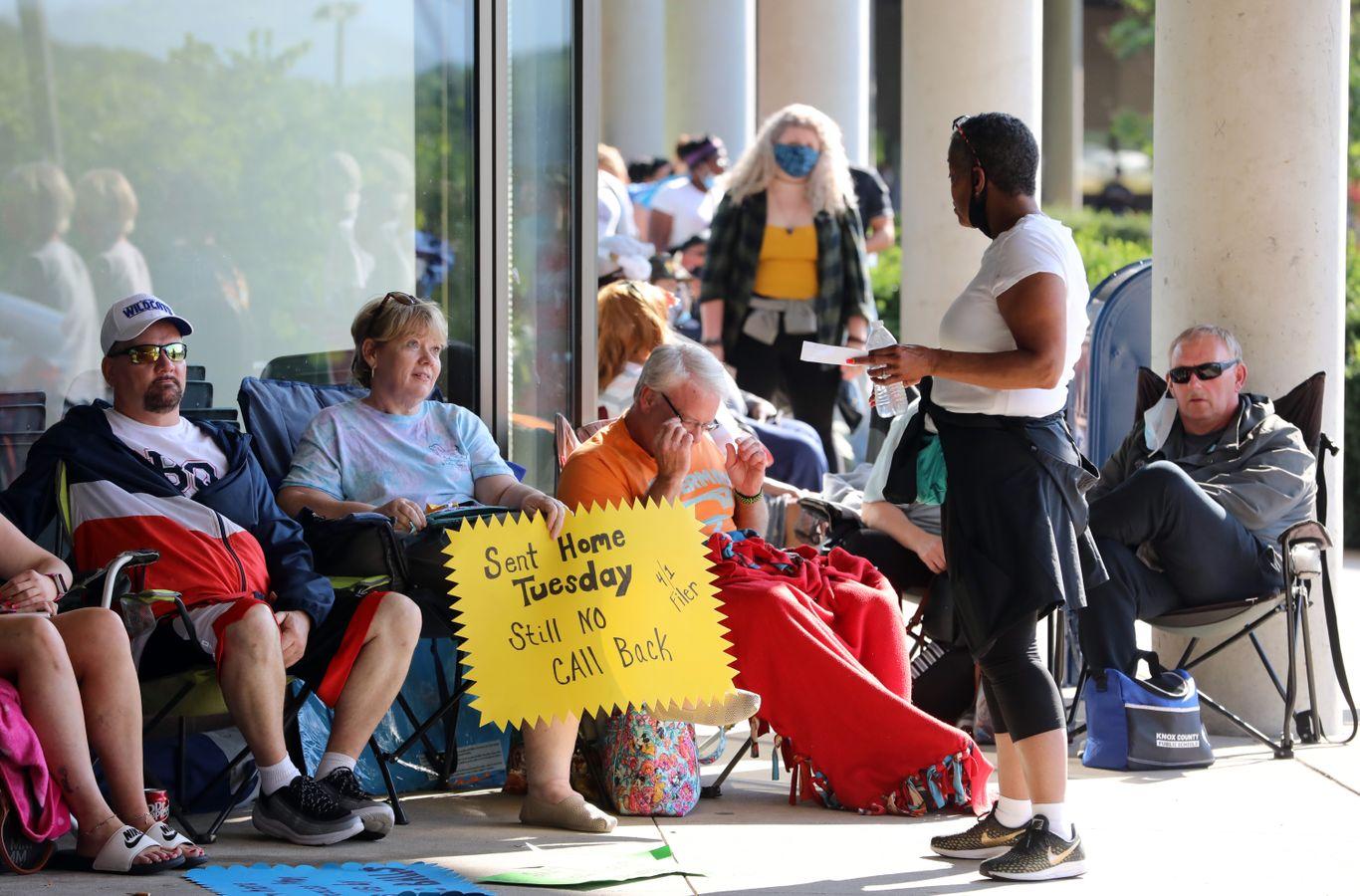 U.S. already feeling effects of ending unemployment benefits thumbnail