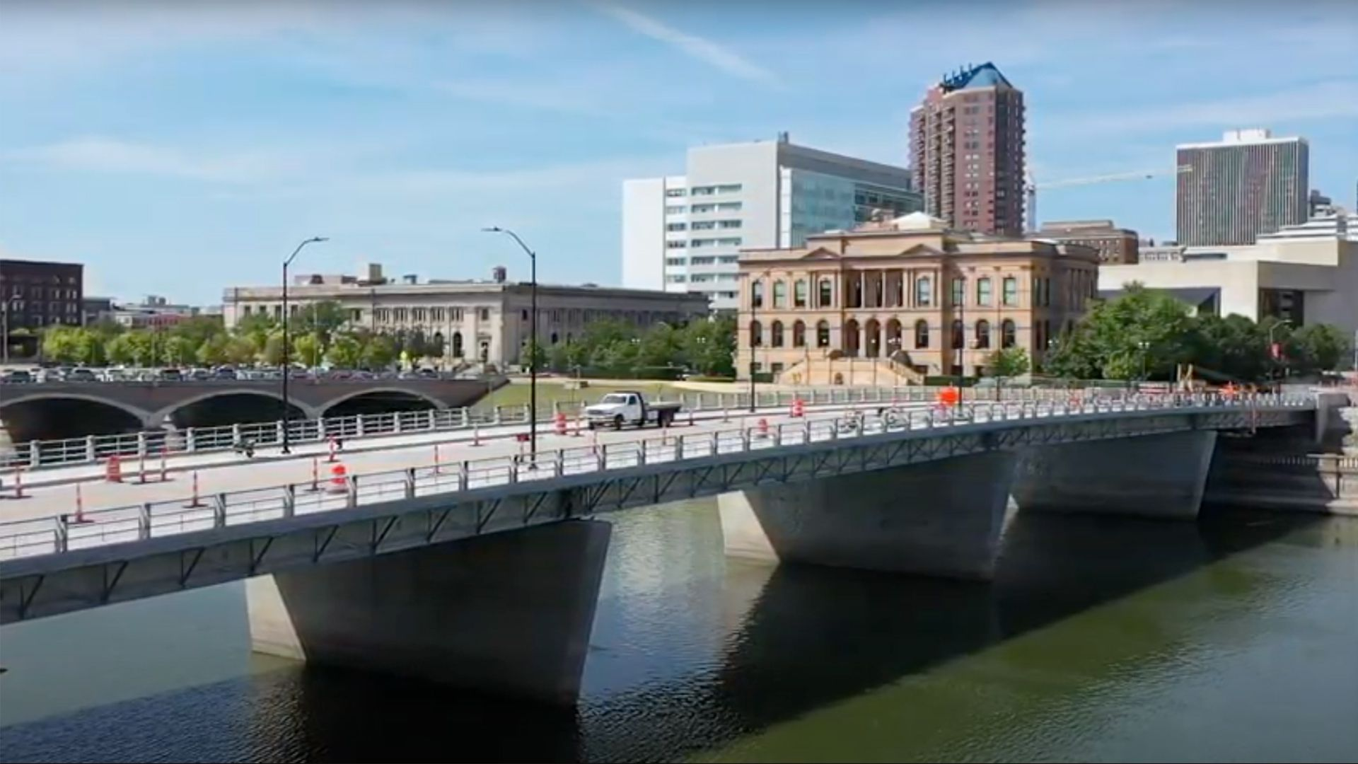 An illustration of the Locust Street Bridge replacement project in Des Moines.