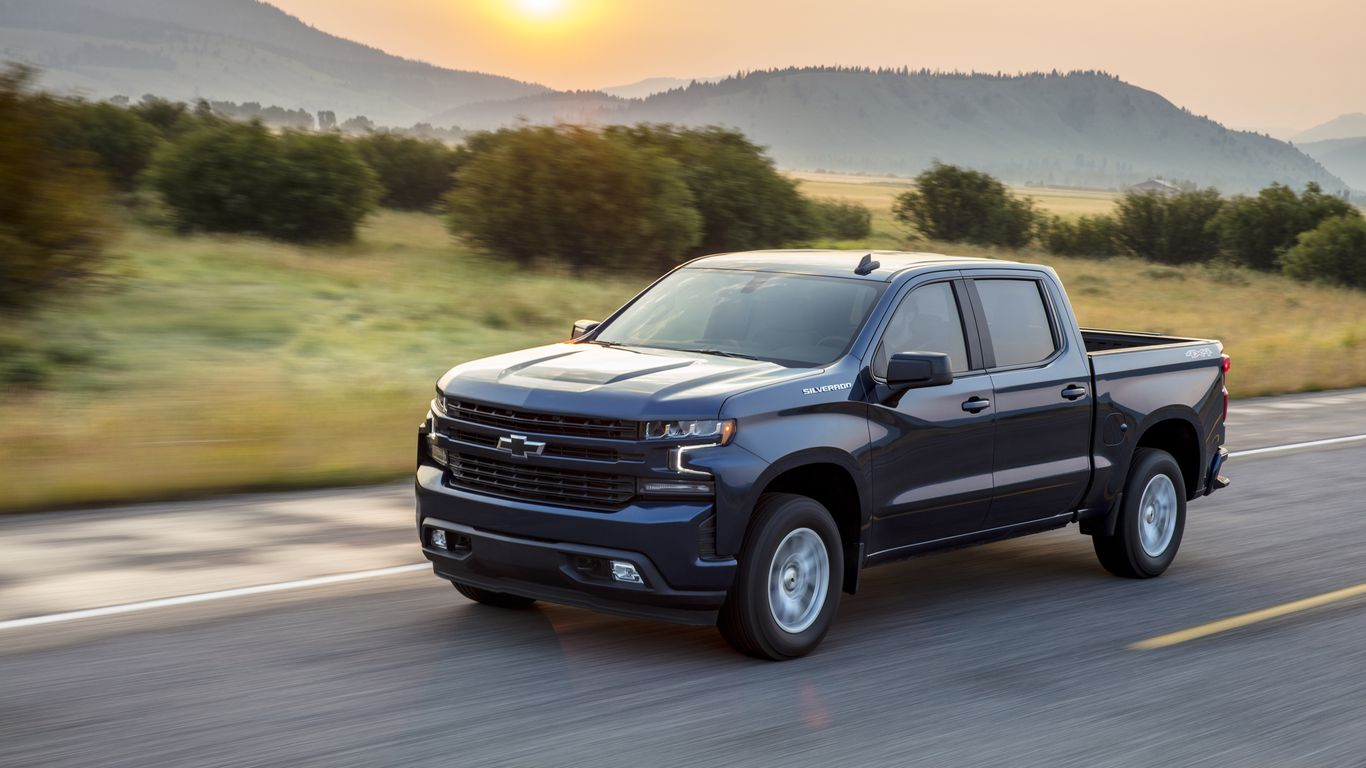 GM to build electric Chevy Silverado pickup in Detroit included in quick EV expansion thumbnail