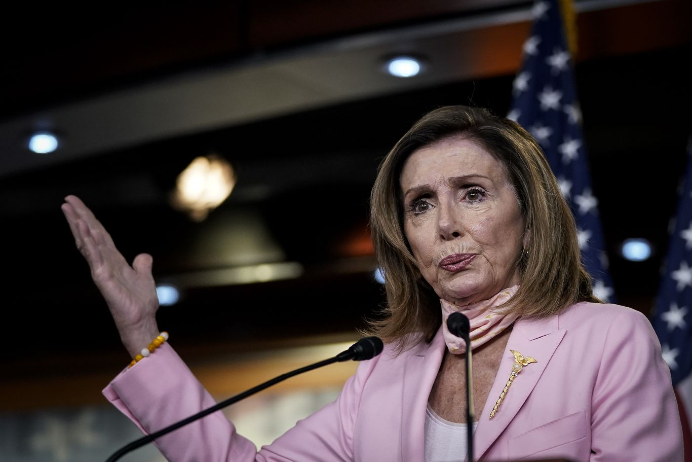 "Pelosi: House would ""absolutely"" skip August recess to reach coronavirus stimulus deal thumbnail"