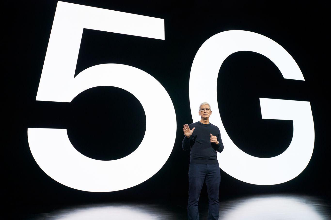 Apple sets September quarter sales record despite later iPhone launch thumbnail