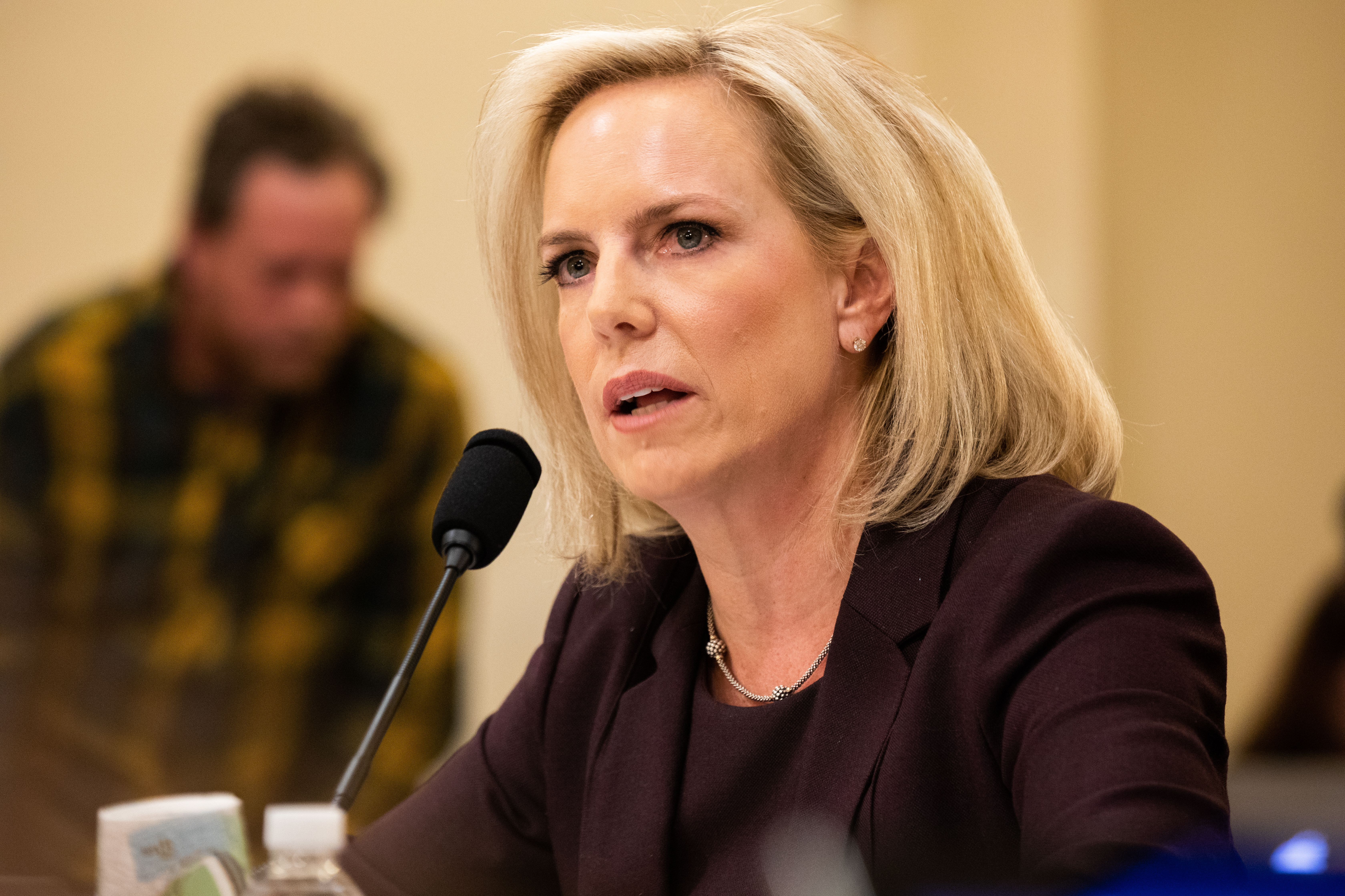 Kirstjen Nielsen halted White House plan for mass family arrests before firing - Axios