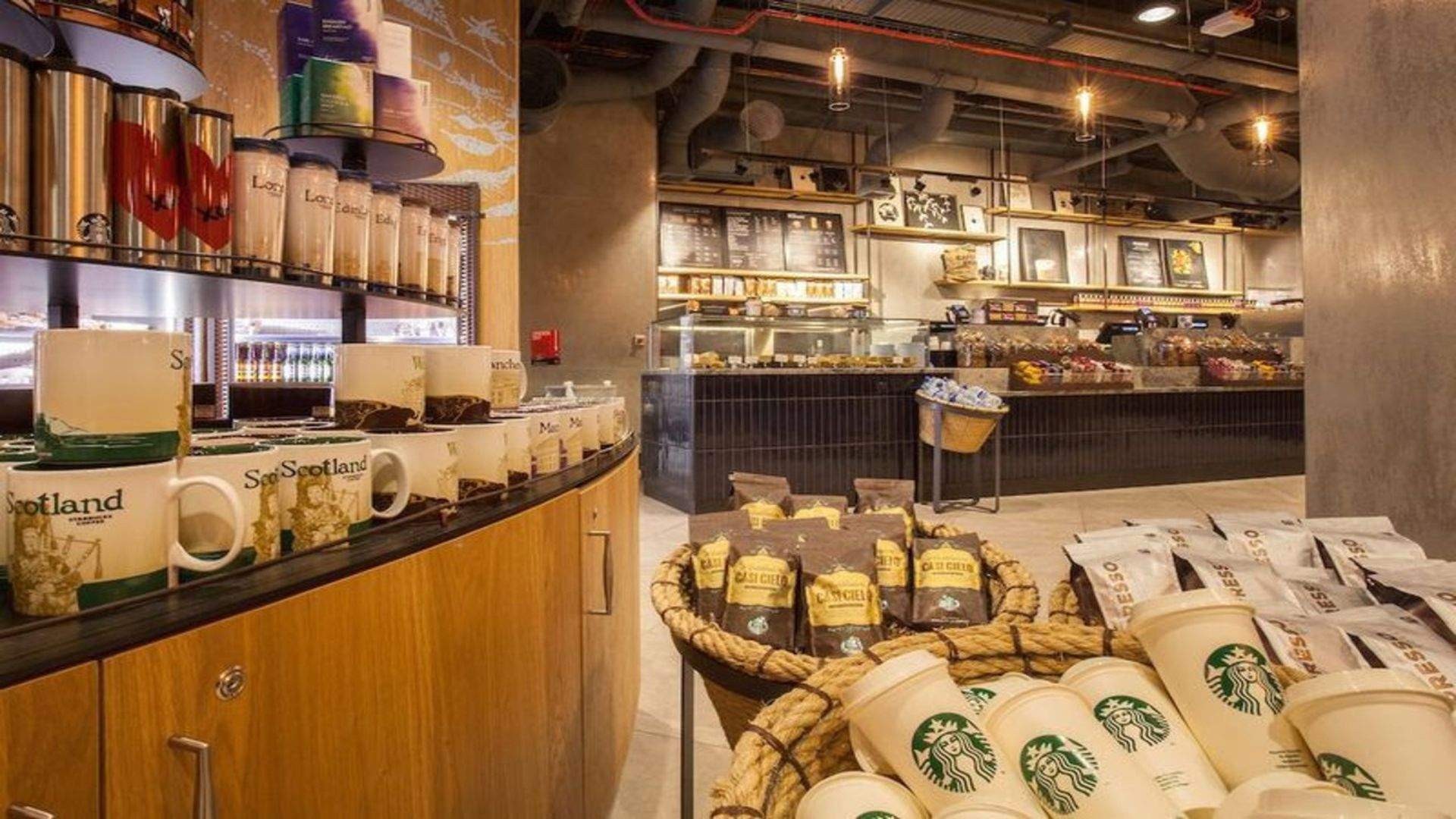 Reusable cups at Gatwick. Photo: Zute Lightfoot/Starbucks
