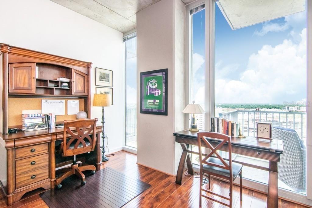 777 N Ashley Dr UNIT 1611 bedroom nook home office