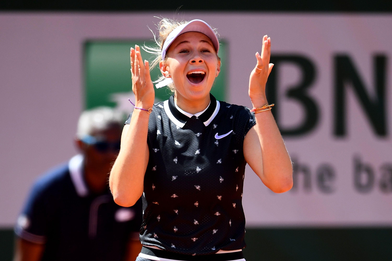 Amanda Anisimova celebrating her win