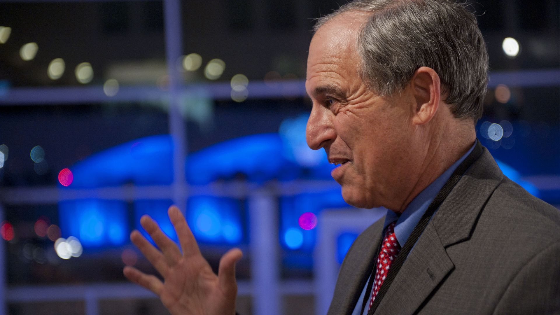 Lanny Davis speaks at an event