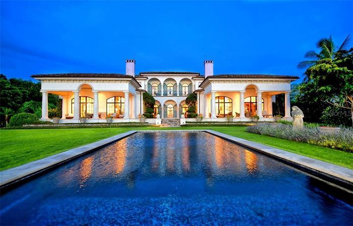1309 Vista Drive pool