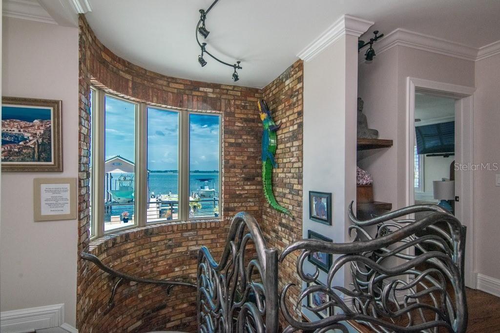 941 Bay Esplanade stairs