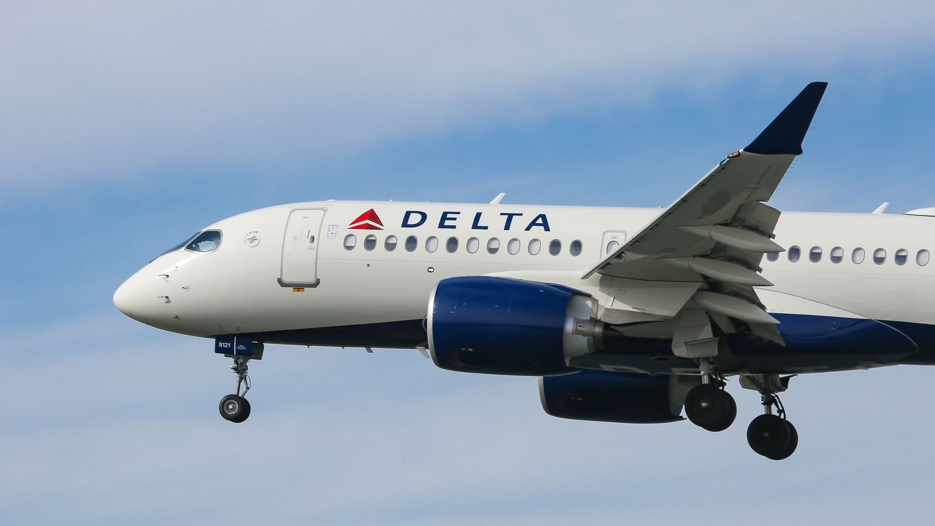 "Delta aims to become first ""carbon neutral"" airline"