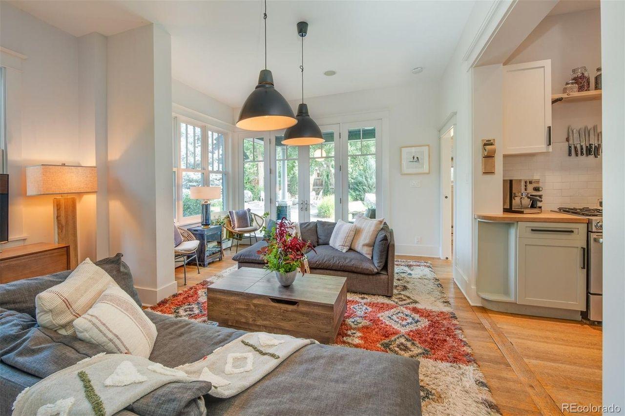1651 Dahlia St. living room