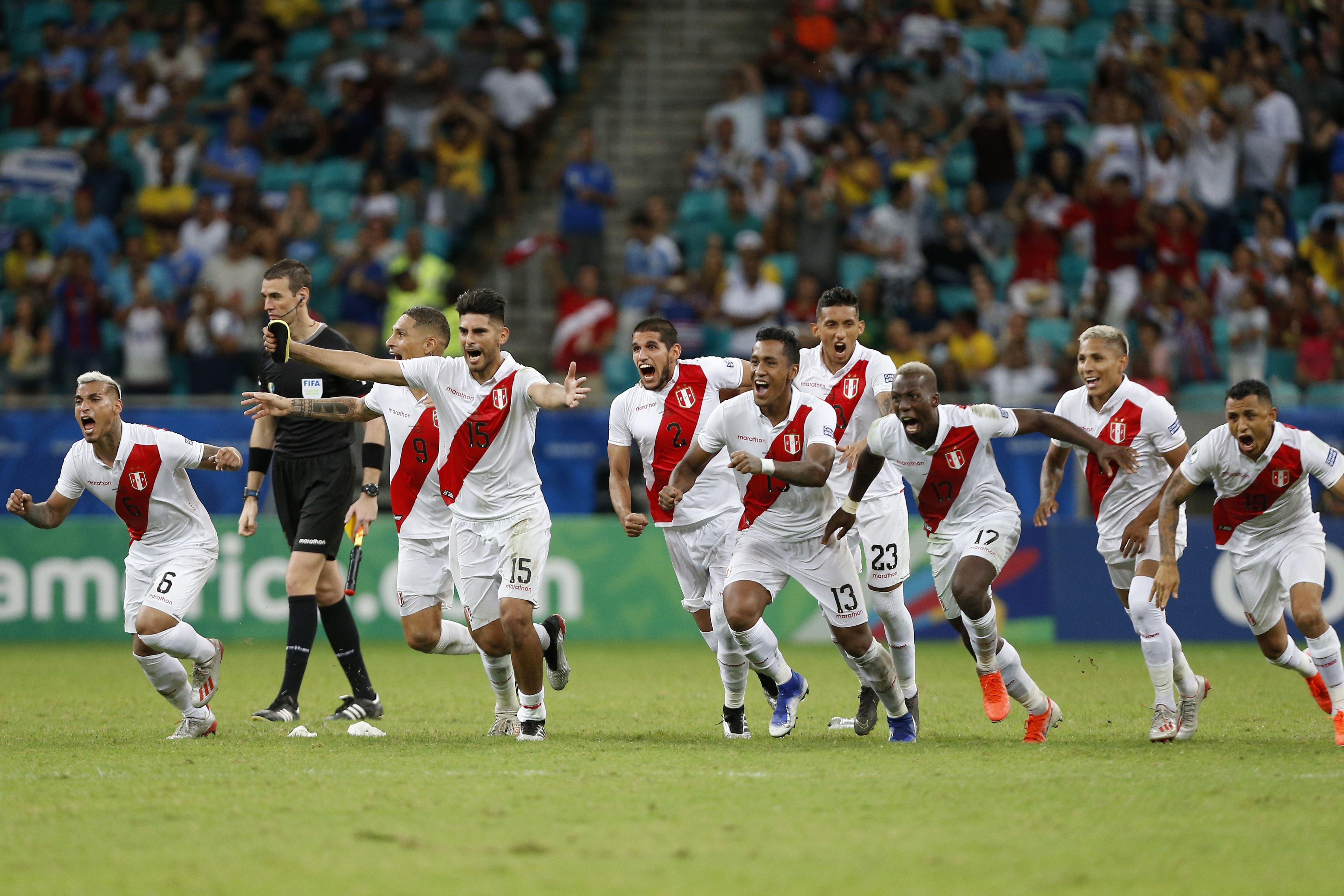 Peru players celebrating the win