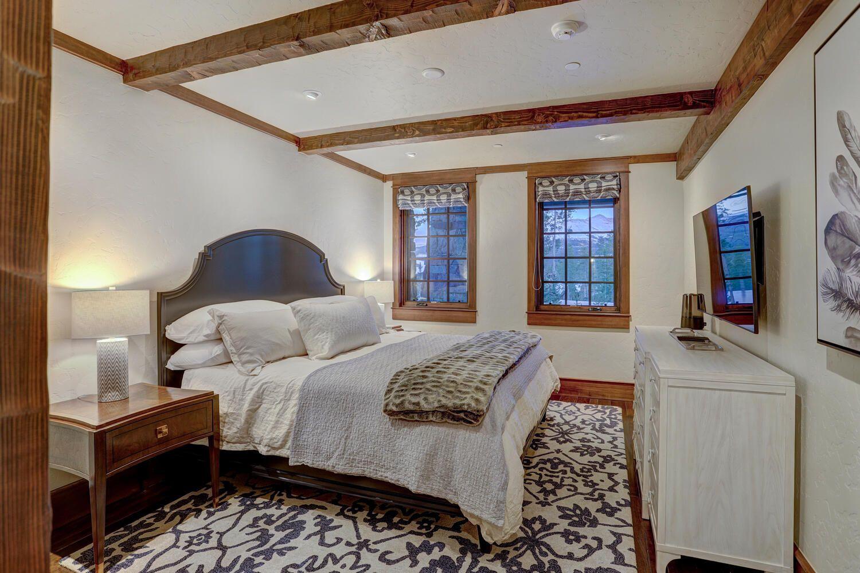 33 Iron Mask Road bedroom
