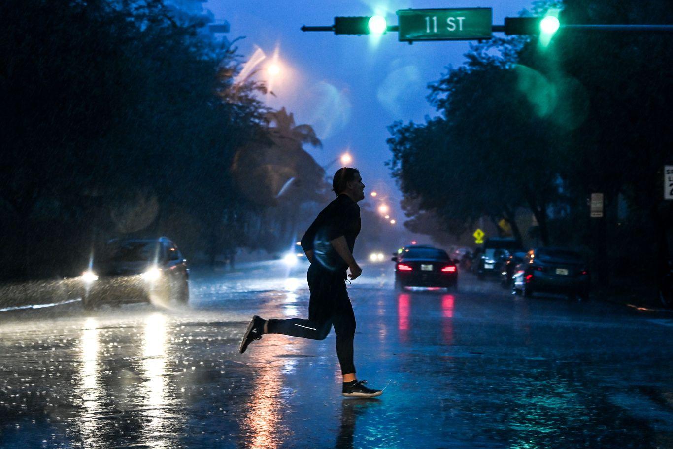 Hurricane alert issued as Tropical Storm Eta lashes South Florida thumbnail