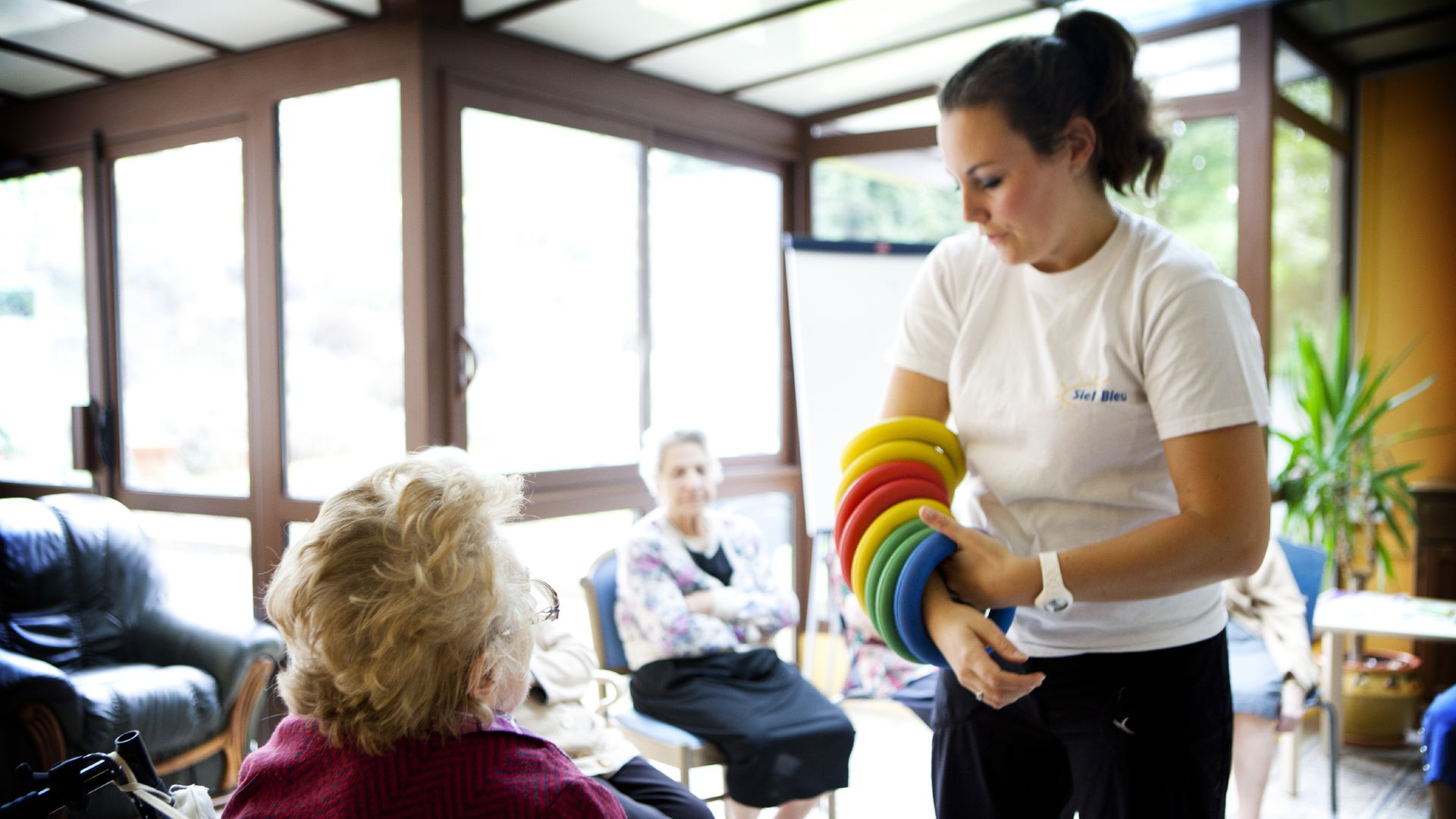 Photo of home for people with Alzheimer's who are participating in gym activities