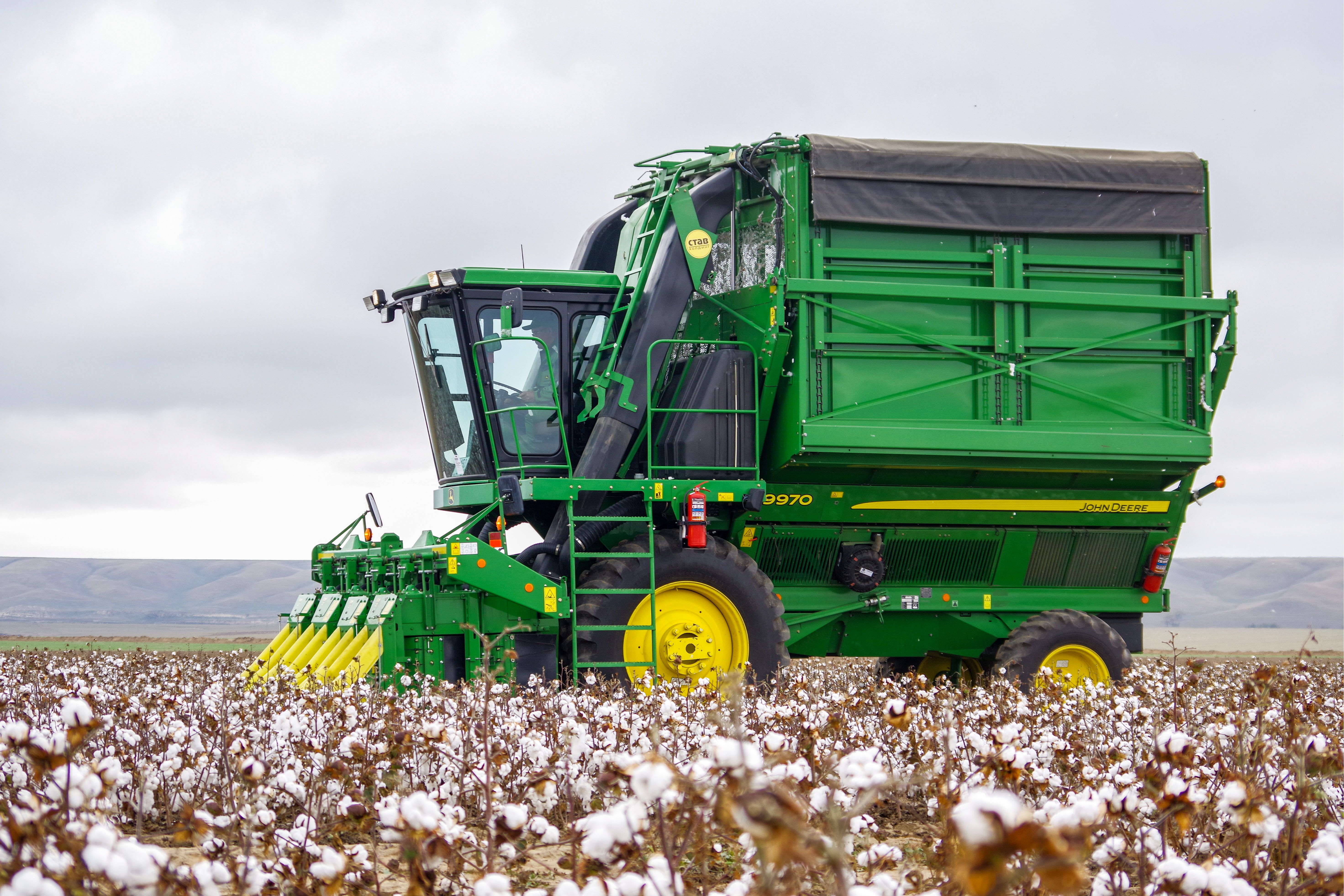 John Deere expects U.S.-China trade war to hurt its bottom line in 2020 - Axios