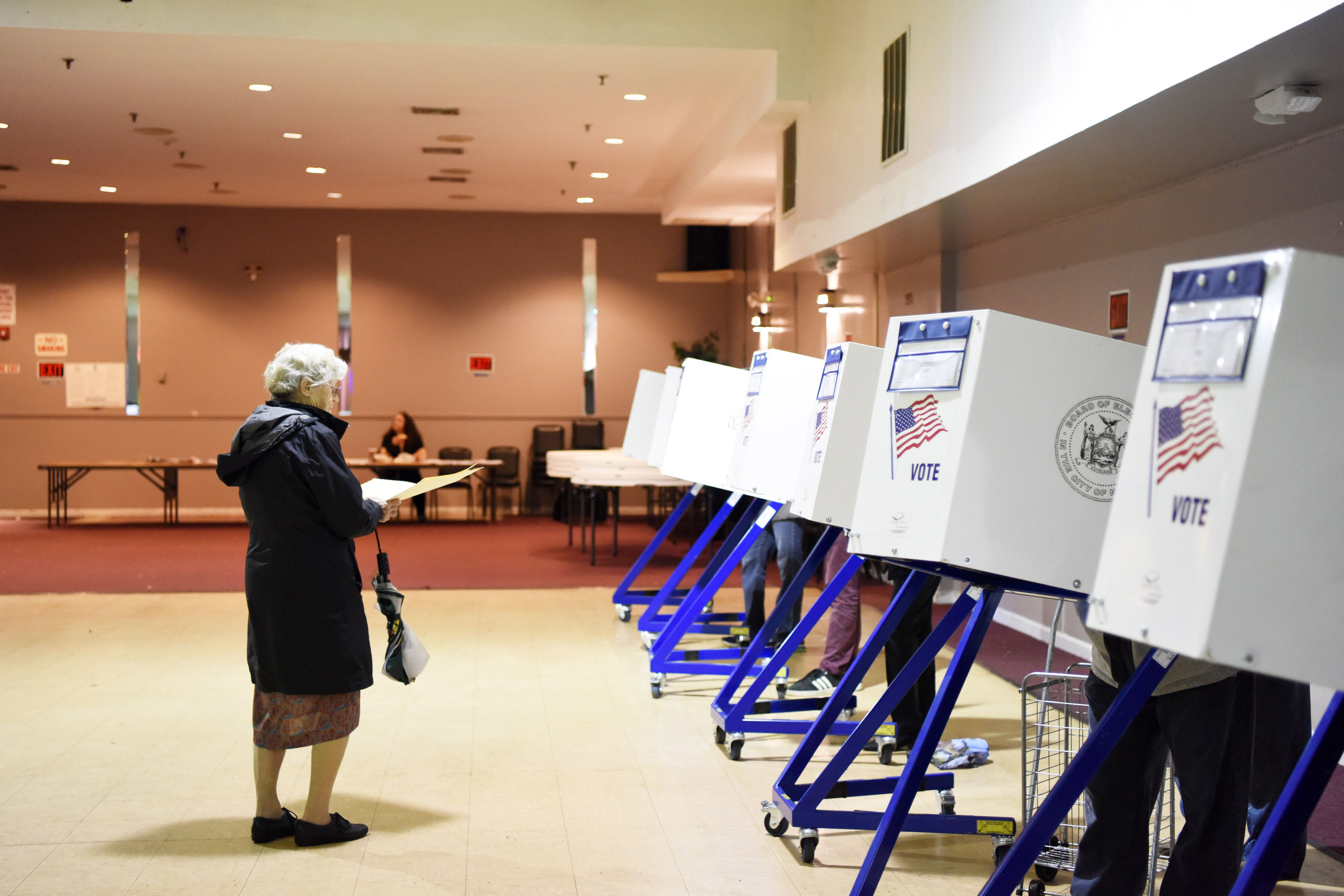 In policy shift, FBI will now notify state officials about election hacking
