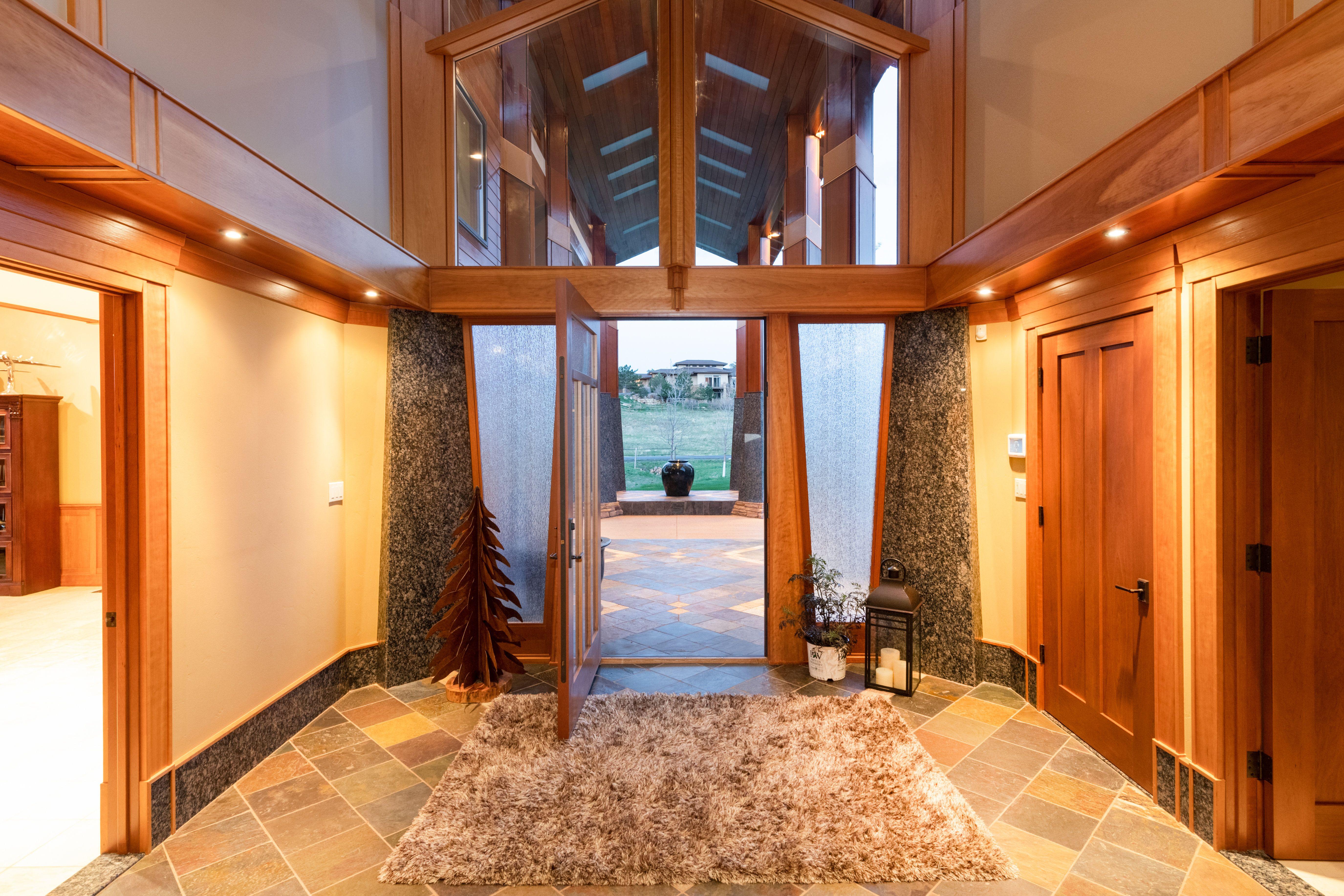 Colorado Mountain house on 35 acres asks $7M entrance