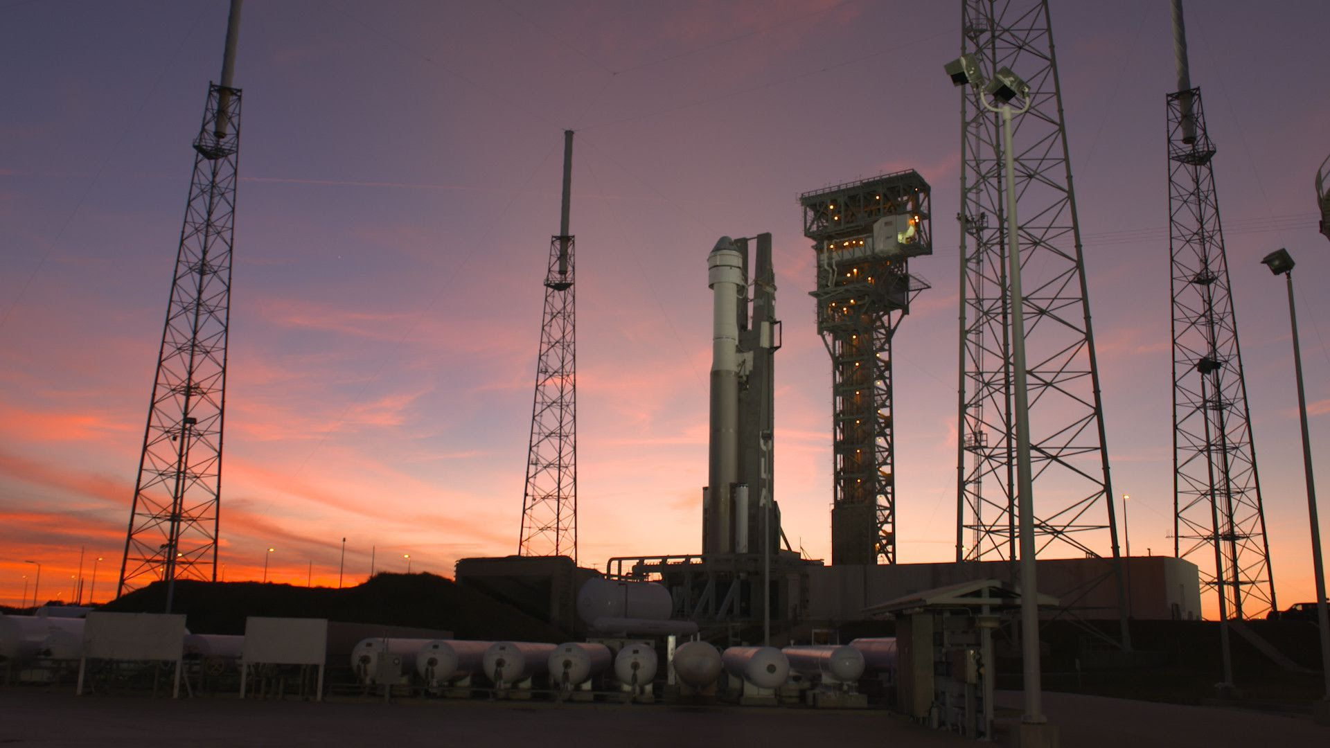 Boeing's Starliner on top of an Atlas V rocket ahead of launch. Photo: Boeing