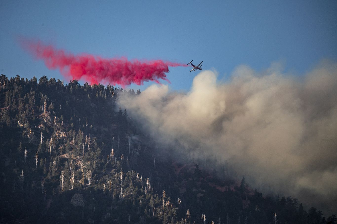 In photos: Thousands evacuated as Southern California fire grows