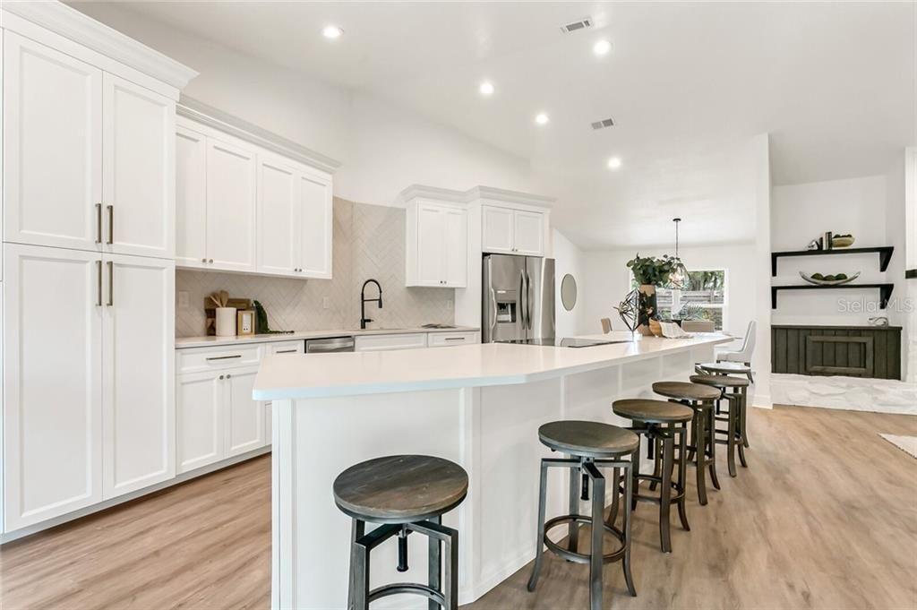3808 Woodroffe Court kitchen