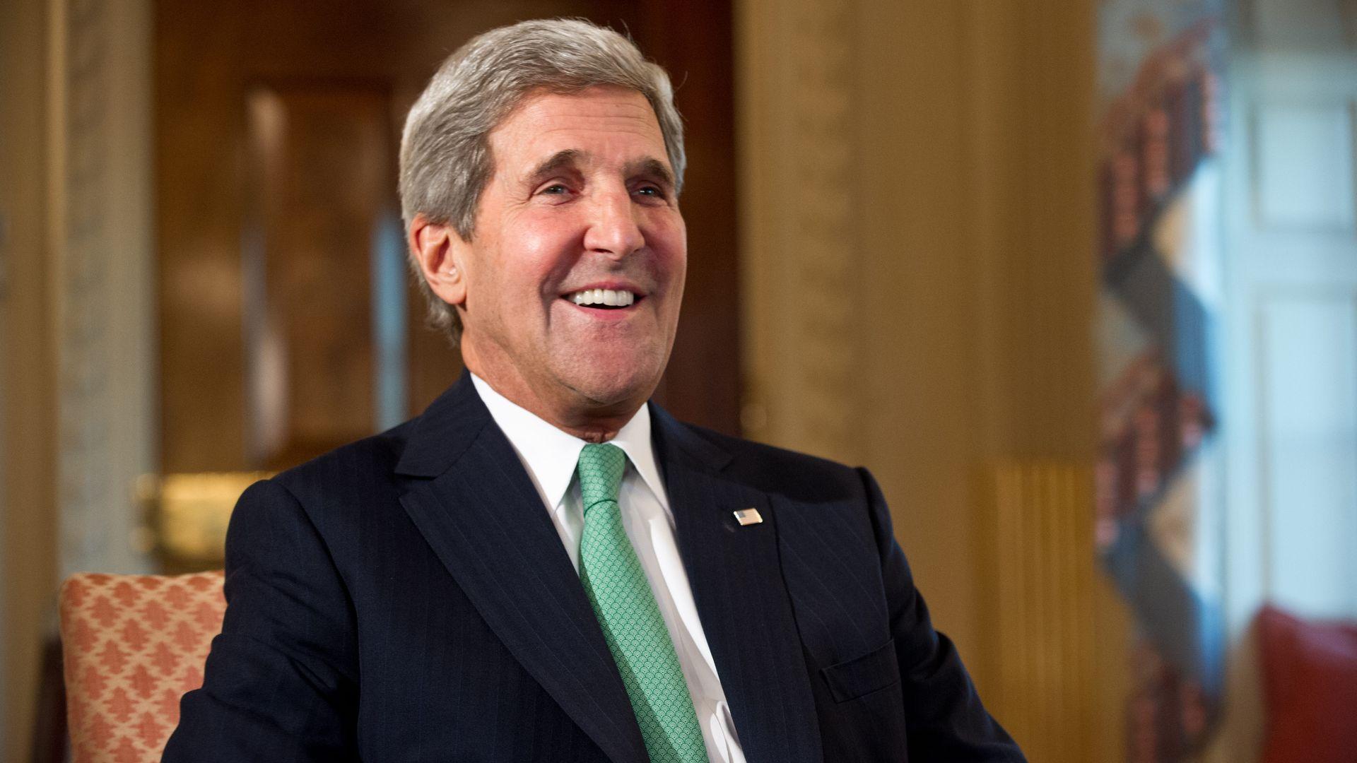 Trump's license plates and Roger Stone's handcuffs: John Kerry's best Alfalfa dinner jokes