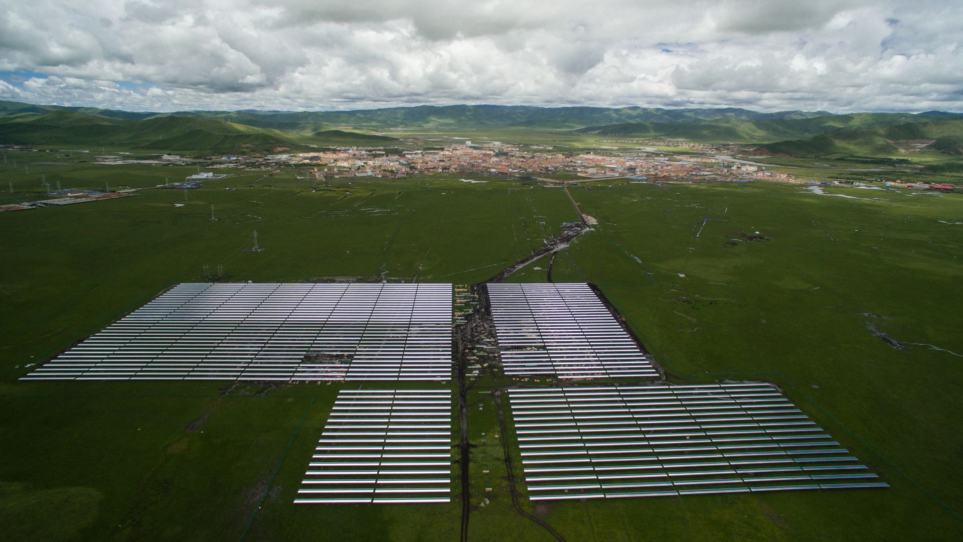 Aerial view of the solar projects built by Apple in China.