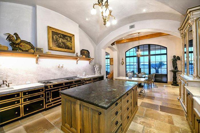 1309 Vista Drive kitchen