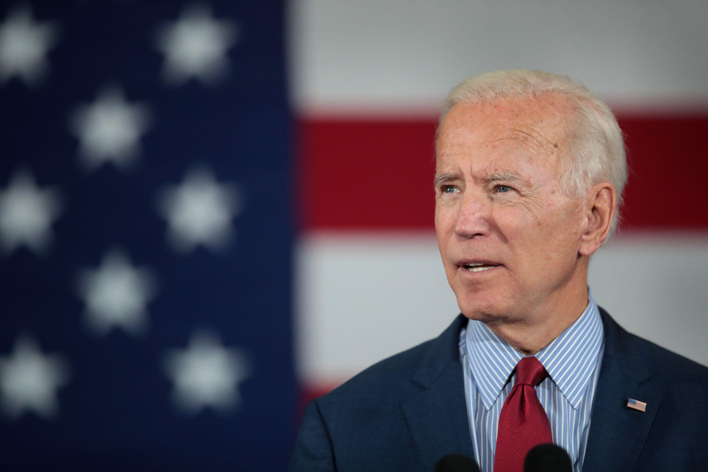 """Biden apologizes for calling Clinton probe a """"partisan lynching"""" - Axios"""